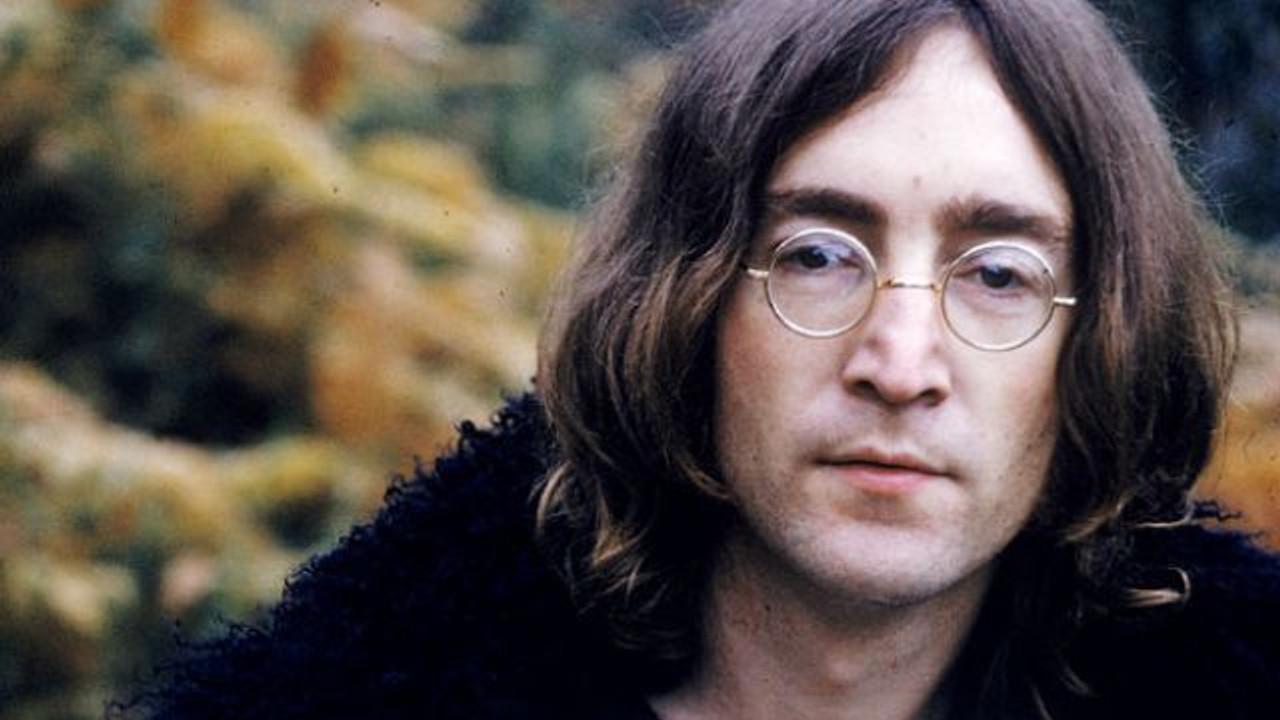 John lennon transvestite