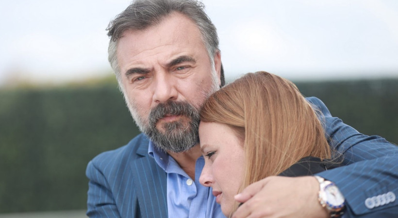 Oktay Kaynarca'dan flaş Naz Elmas açıklaması! Rol arkadaşının düğününe neden katılmadı?