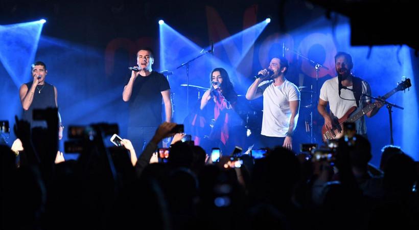 maNga konserinde büyük sürpriz!