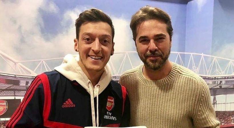 Ünlü oyuncudan Mesut Özil'e iadeiziyaret