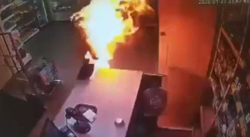 Eski karısını benzin döküp yaktı