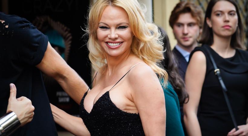 Pamela Anderson 12 günde boşandı