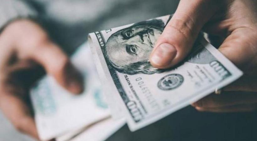 Merkez Bankası'nın faiz indirimi kararının ardından dolar ve altın uçuşa geçti
