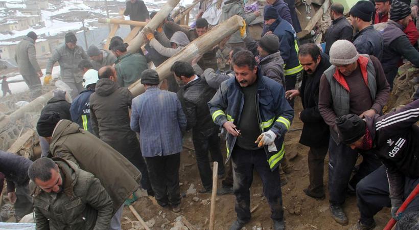 İran depremi Türkiye'yi vurdu