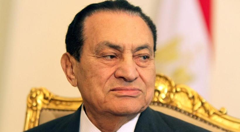 Mısır'ın devrik lideri Hüsnü Mübarek hayatını kaybetti!