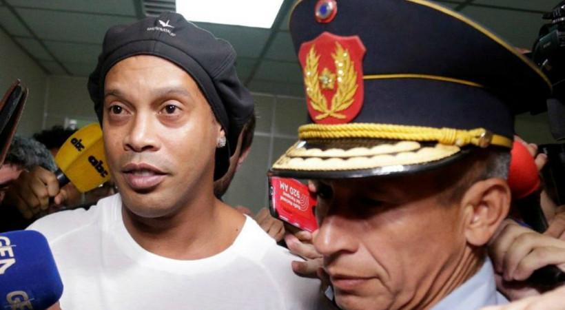Ronaldinho Paraguay'da tutuklandı!