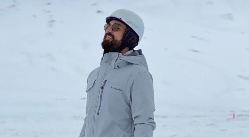 Zümrüdüanka'nın Serhat'ı Alp Navruz set arası kayak keyfi yaptı!