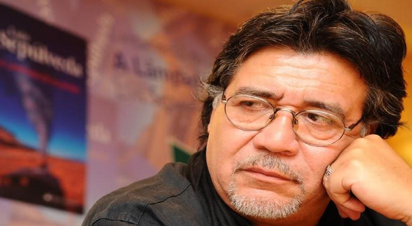 Dünyaca ünlü yazar Coronavirüs'ten hayatını kaybetti