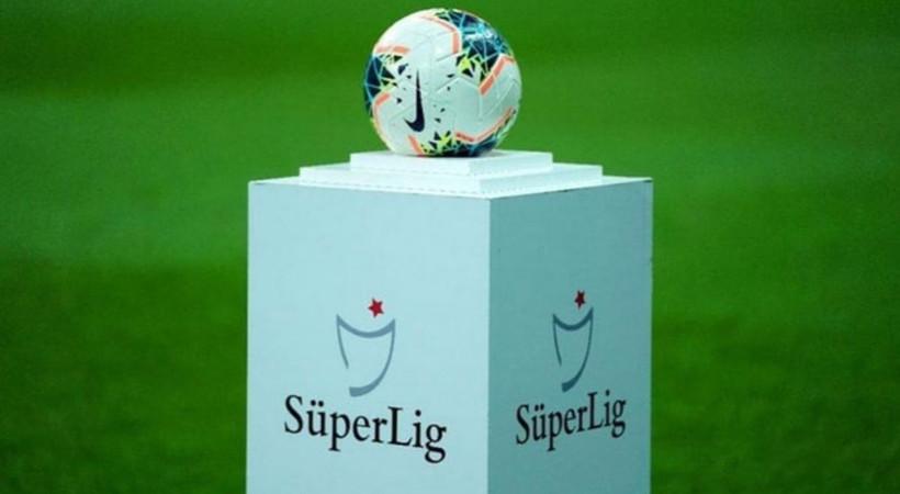Süper Lig kalan 8 hafta maçları Katar'da mı oynanacak?