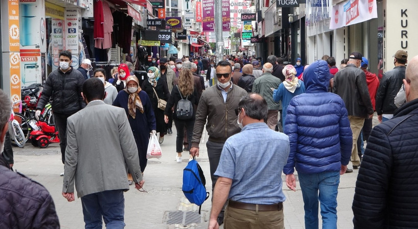 İBB açıkladı: Sokağa çıkan kişi sayısı arttı