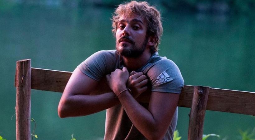 Survivor şampiyonu Cemal Can sakallarını kesti