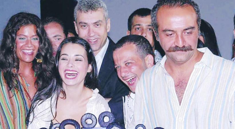 Özgü Namal ile Yılmaz Erdoğan arasında soğuk rüzgarlar!