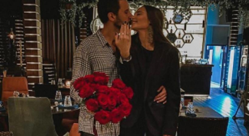 Tuan Tunalı'dan romantik evlilik teklifi