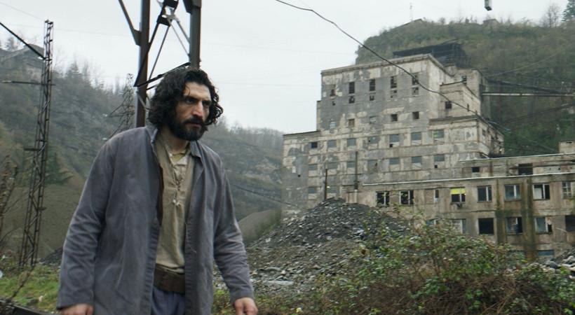 Erdem Tepegöz'ün yeni filmi 'Gölgeler İçinde' Moskova Film Festivali'nde ana yarışmada!
