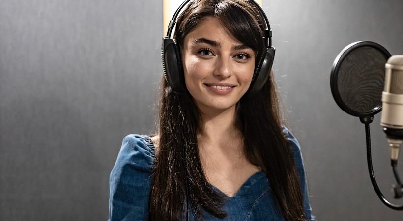 Arıza'nın Halide'si Ayça Ayşin Turan'dan sürpriz şarkı
