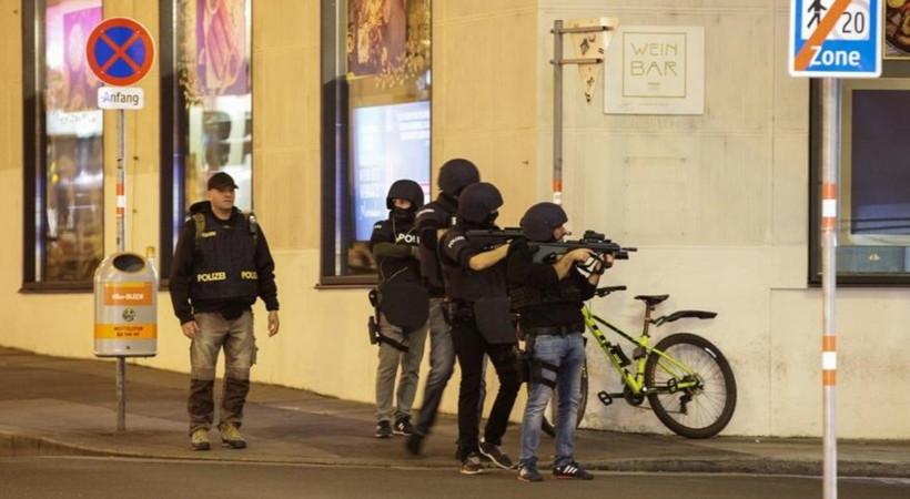 Viyana'da kanlı gece: Çok sayıda ölü ve yaralı var