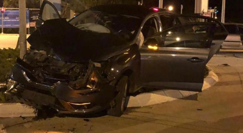 Ünlü oyuncu trafik kazasında ölümden döndü!
