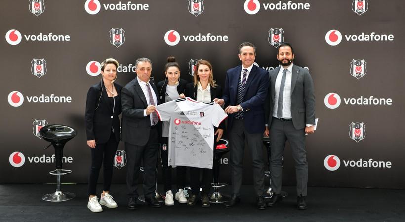 Vodafone, Beşiktaş Kadın Futbol Takımı'na isim ve forma sponsoru oldu