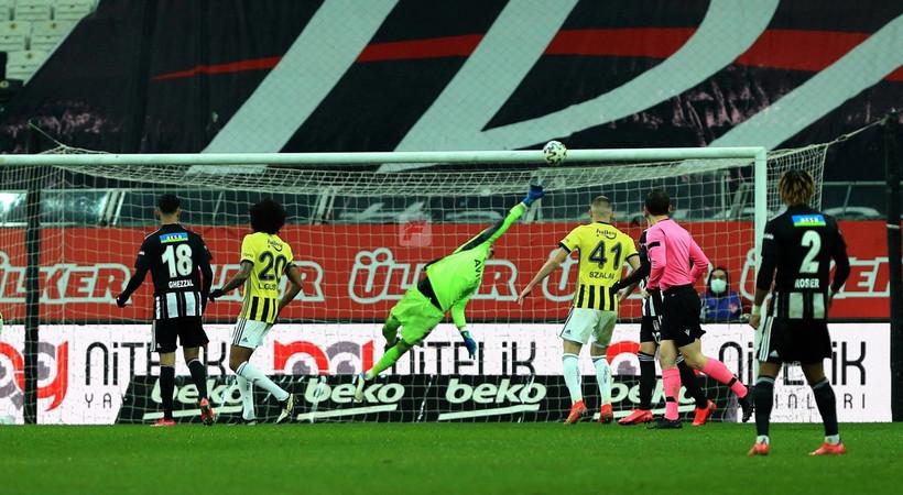 Milliyet yazarından beIN Sports'a yayın tepkisi! 'Derbinin çekim hali: Tekrar arası maç!'