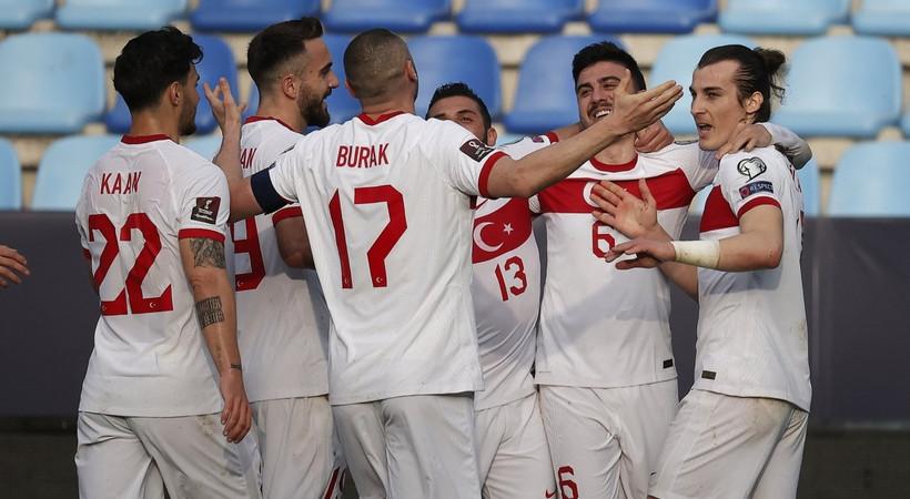 Türkiye Letonya maçı seyircili mi oynanacak?