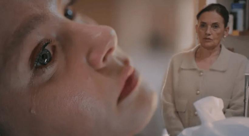 Camdaki Kız dizisindeki 'bekaret testi' sahnesi olay oldu!