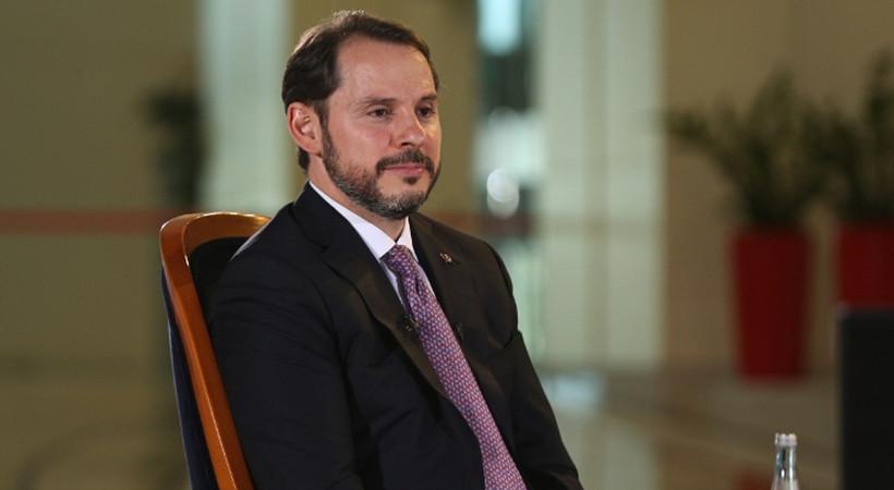 Hazine ve Maliye eski Bakanı Berat Albayrak, şahitlik yaptığı düğünde görüntülendi.