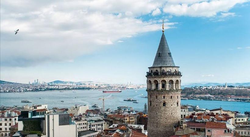 İşletmesi İBB'den alınarak Kültür ve Turizm Bakanlığı'na verilen Galata Kulesi'ne giriş ücreti 30 liradan 100 liraya yükseltildi.