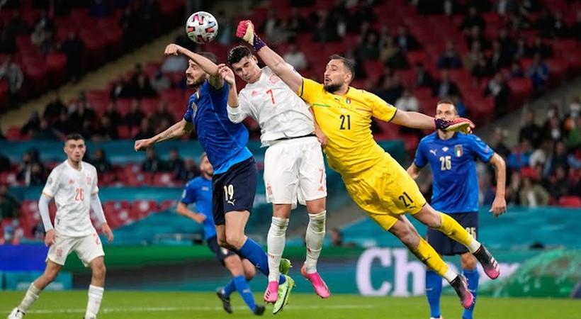 Euro 2020'de ilk finalist İtalya oldu... Normal süresi ve uzatmaları 1-1  biten maçta penaltılara adını finale yazdıran takım İtalya oldu...