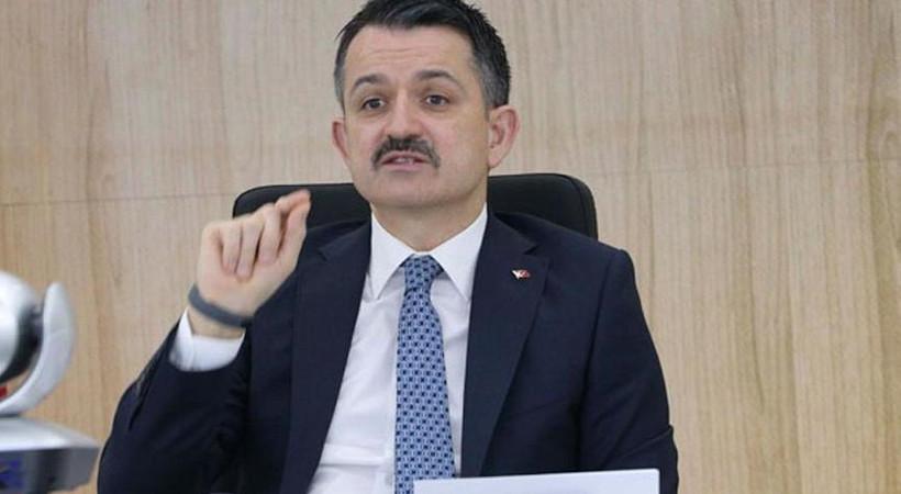 Tarım ve Orman Bakanı Bekir Pakdemirli'nin vatandaşların telefonlarına attığı mesaj ortalığı karıştırdı.