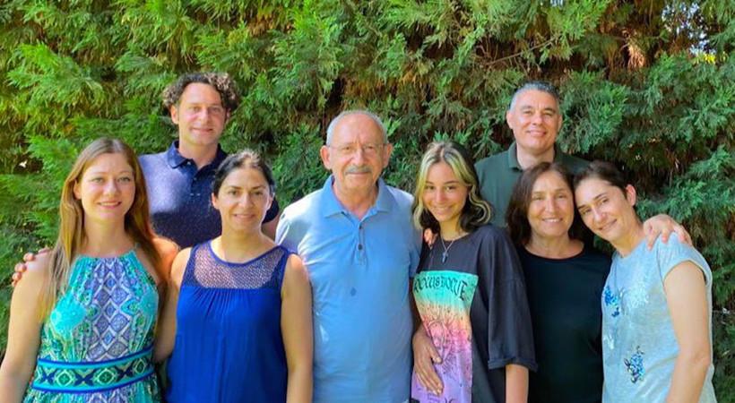 """Kemal Kılıçdaroğlu bayramda ailesiyle buluştu, """"Her şey çok daha güzel olacak"""" notunu düştü..."""
