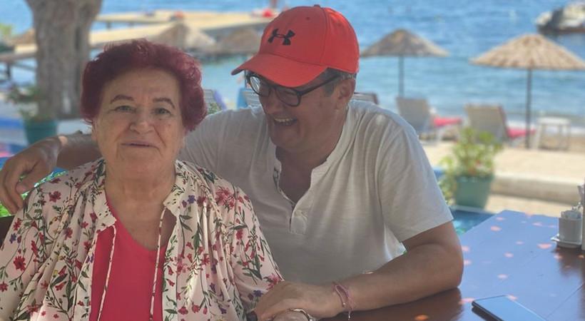Bodrum'da tatilini sürdüren usta müzisyen Selda Bağcan, bayram kahvaltısında Cengiz Semercioğlu'yla buluştu...