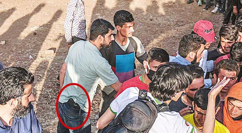 """Sözcü gazetesi yazarıİsmail Saymaz,kendilerine """"Her Yerde İyilik Hareketi"""" adını veren grubun beli silahlı olmasına dikkat çekti..."""