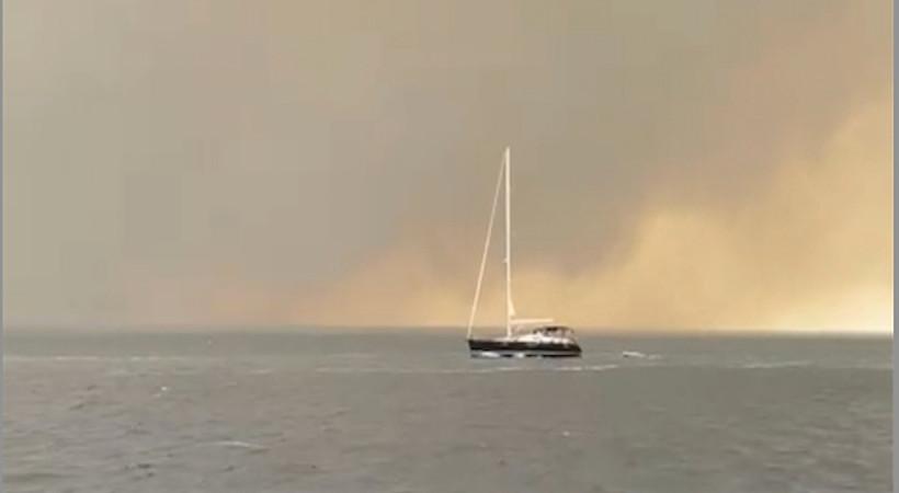 Medyatava Bodrum yangınını denizden görüntülemeye devam ediyor. İşte saat 16.00 itibariyle Bodrum'da son durum.
