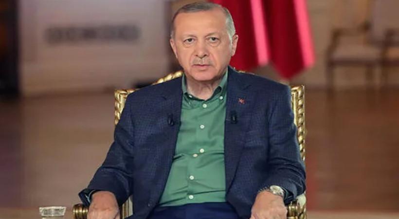 Günlerdir yandı yanacak denilen Kemerköy termik santraline alevlerin ulaştığı sırada Erdoğan canlı yayında suçu belediyelere attı.