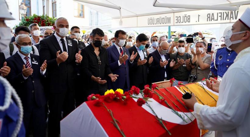 Ferhan Şensoy Teşvikiye'de kılınan cenaze namazı sonrası son yolculuğuna uğurlandı