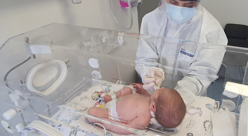Aşısız gebelerde ölümler üç kat arttı; negatif bebekler ise aşısız aile üyelerinden koronavirüs kaptı