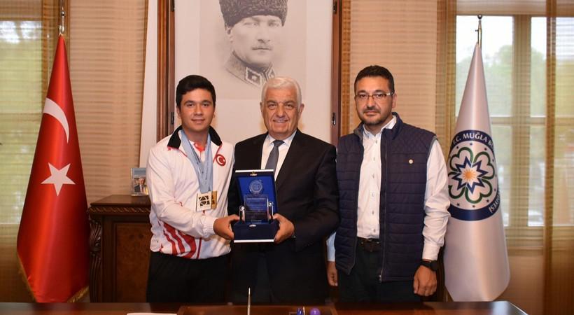 Muğlalı okçudan Türkiye rekoru