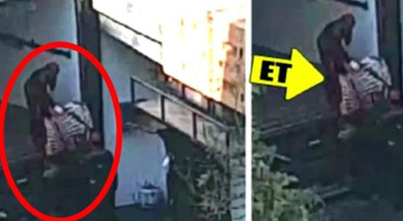 İstanbul'da restoranda mide bulandıran görüntüler! Etleri yerlerde sürüklediler
