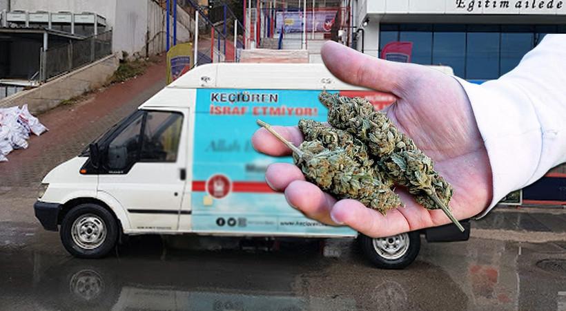 AK Parti'li belediyeye ait araçta kilolarca esrar yakalandı