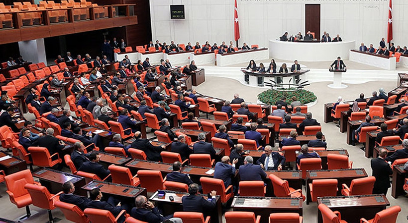835 bin esnafa vergi müjdesi! Küçük esnafa vergi muafiyeti getiren yasa Meclis'te kabul edildi