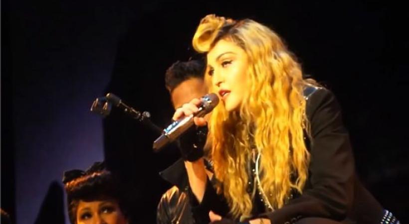 Madonna'dan seyirciye azar: 'Eğer şikayet edeceksen...!'