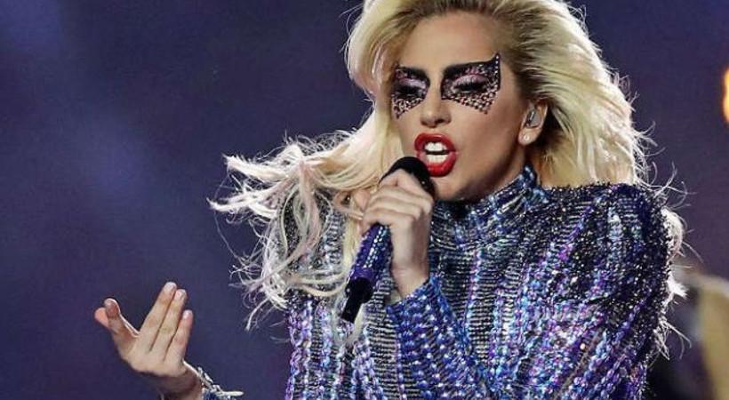 Lady Gaga'nın tercihi Türk tasarımcı oldu!
