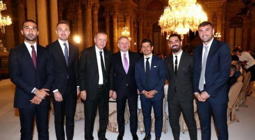 Erdoğan, sanat ve spor dünyasından isimlerle iftarda buluştu!