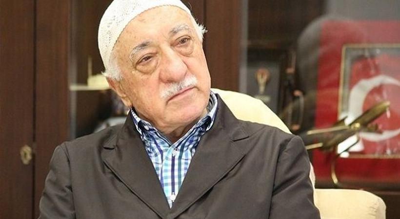 Köşe yazarından Gülen'e: Özür dile vazgeçeyim