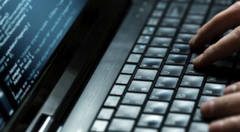 İngiltere'nin başı milyonluk siber soygunla dertte