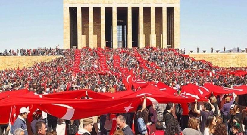 Tanınmış isimlerden 19 Mayıs mesajları: Türkiye başaracak