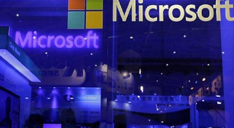 Microsoft'ta iki üst düzey atama