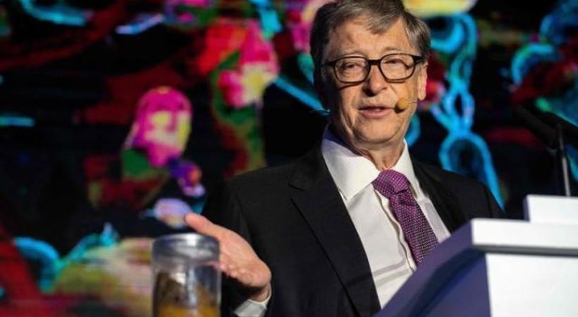 Bill Gates sahneye dışkıyla çıktı!