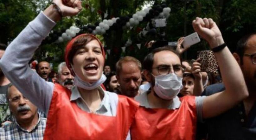 Sırrı Süreyya Önder'den Nuriye ve Semih için kısa film: Yaşıyor