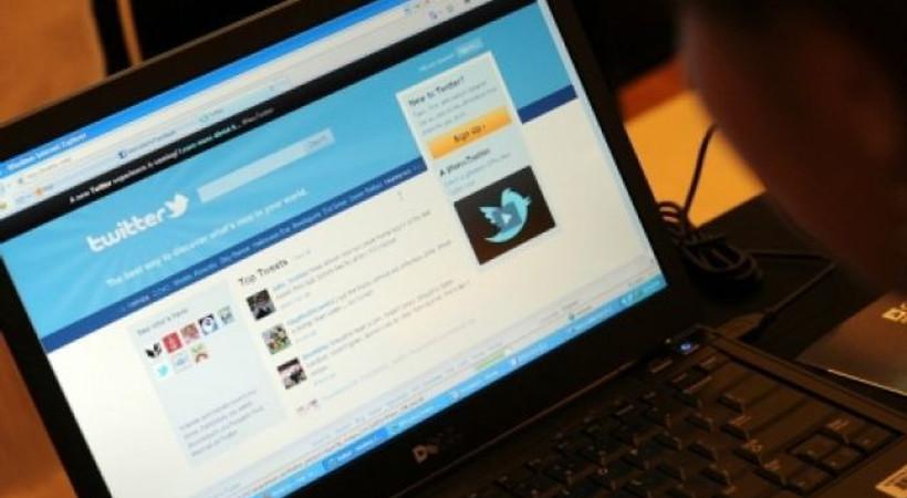Yeni Şafak yazarı: Gıpta ettiğim gazeteciler var; attıkları tweet'lerden bile para alıyorlar